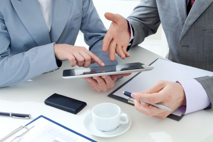 Business-Revenue-With-Technology